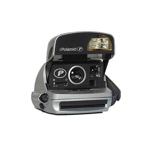 POLAROID 600 Kamera 90s style Round Refurbished inkl. 1x 600 COLOR Film, 8 Aufnahmen